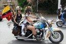 Más de 10.000 motos de la mítica marca americana Harley-Davidson participan hoy en el espectacular desfile de banderas que ha recorrido las calles de Barcelona, desde Montjuic. EFEMás de 10.000 motos de la mítica marca americana Harley-Davidson participan hoy en el espectacular desfile de banderas que ha recorrido las calles de Barcelona, desde Montjuic. EFE